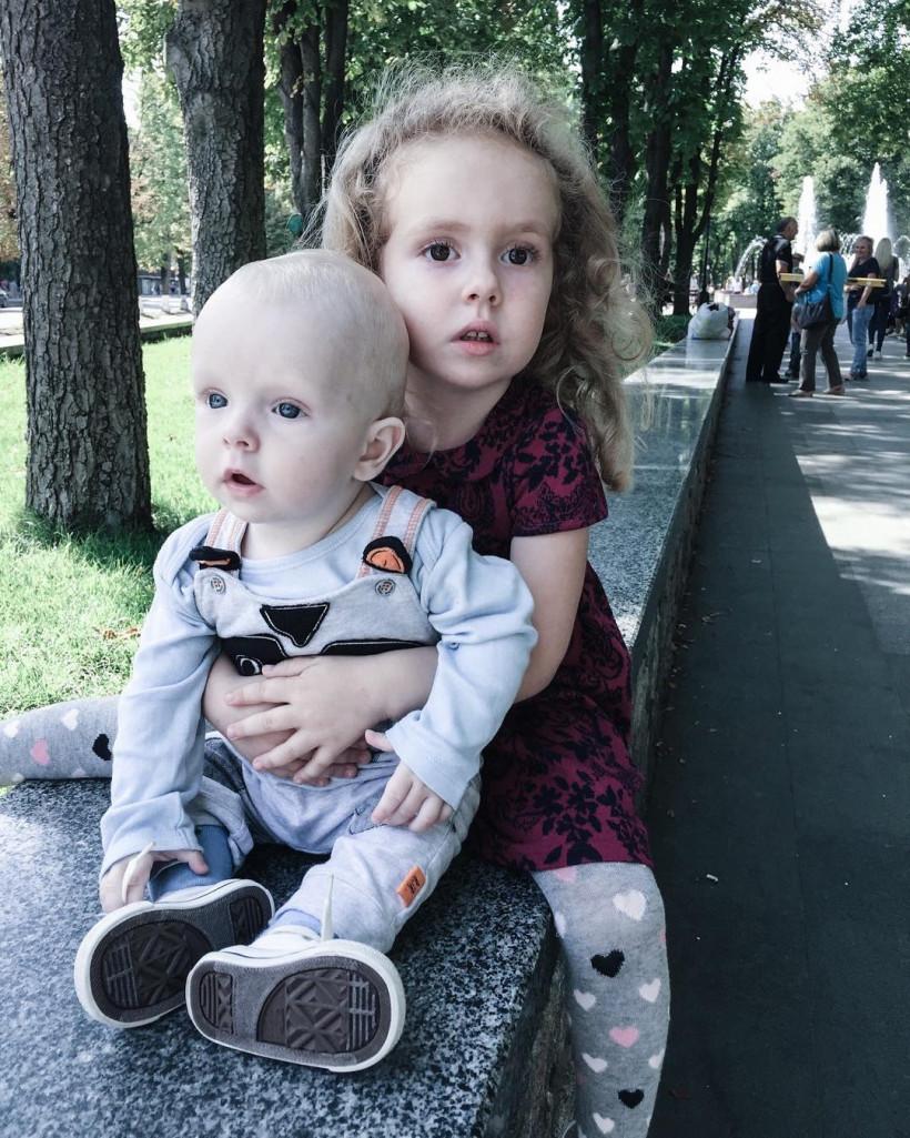 Елена Стронг