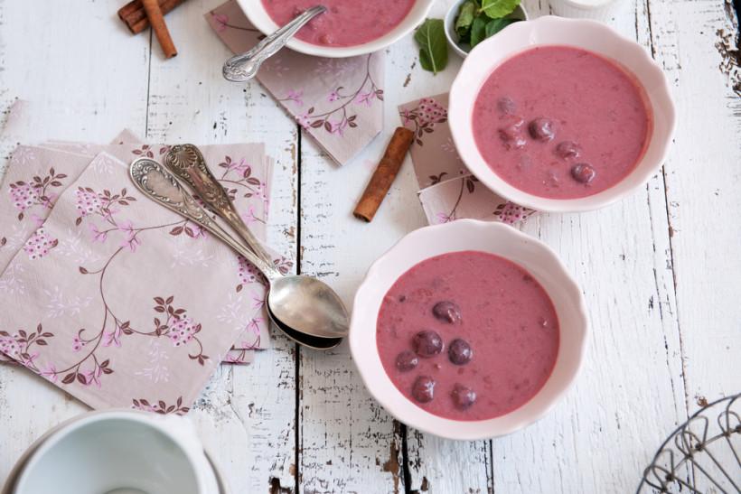 Сладкий крем-суп с малиной и запеченной свеклой
