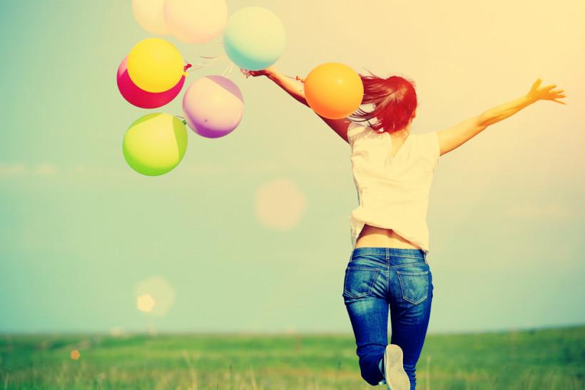 женщина счастлива