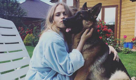 Анна Кошмал и ее пес Фред