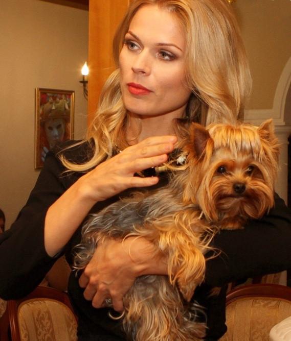 Фреймут и ее пес