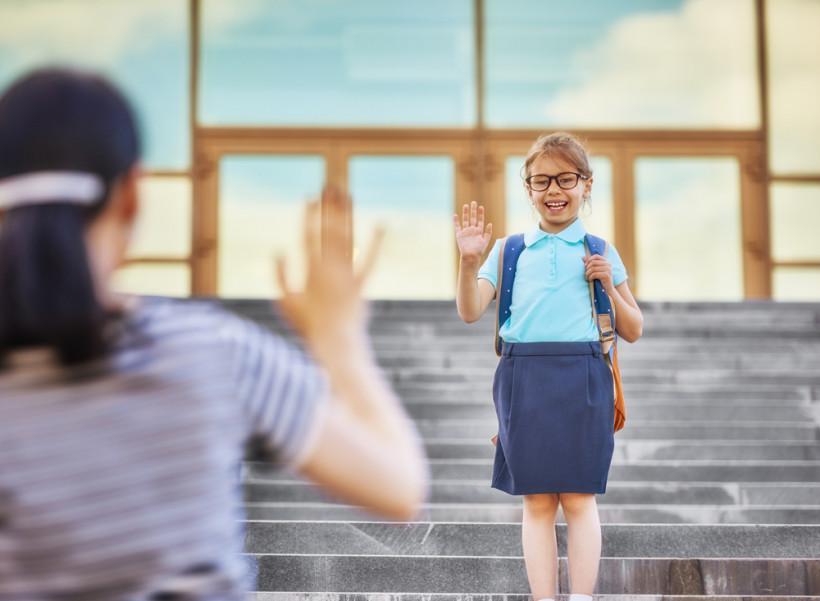 дівчинка школа