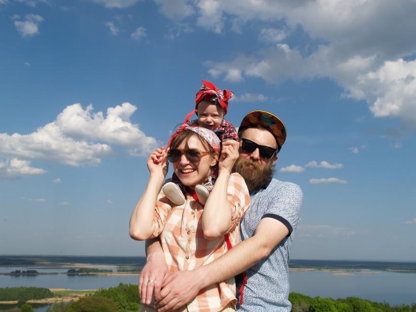 Блогер Анна Сарапитон с семьей