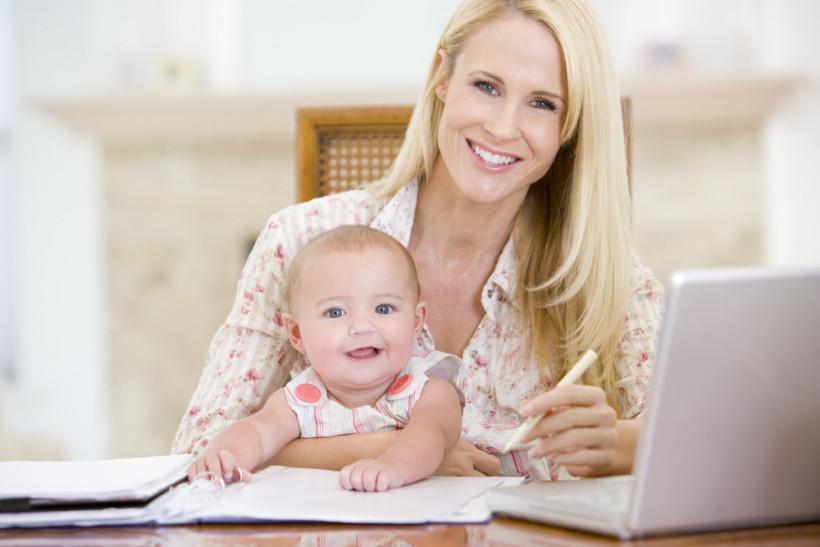 Мама в бизнесе - с ребенком на руках