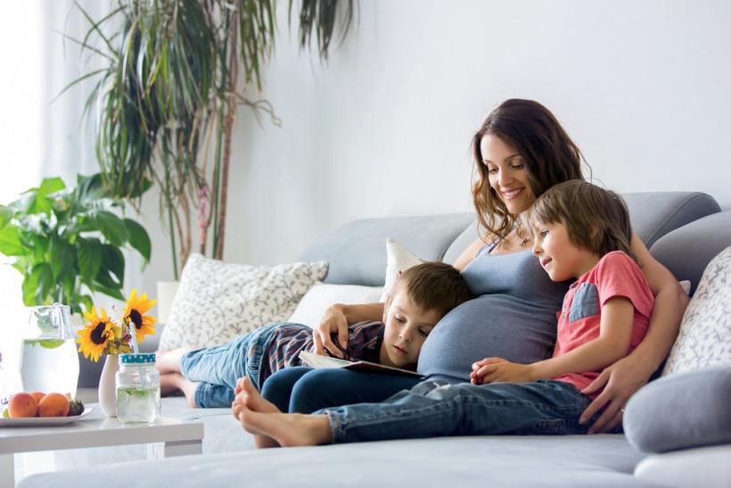 беременная с детьми