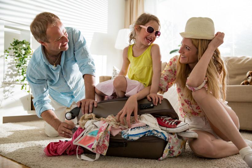 семья путешествия
