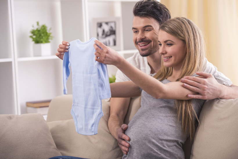 беременная с мужем