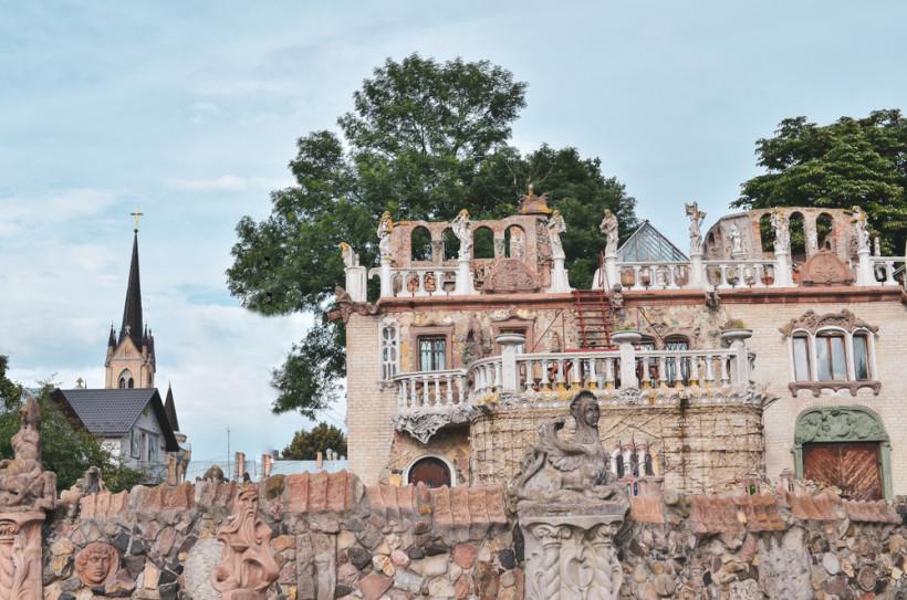 Луцкий дом с химерама - дом архитектора Голованя