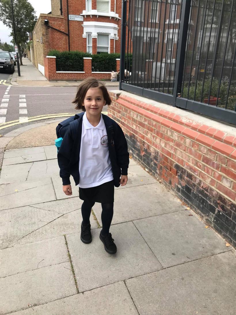 Яся Малей - девочка в школе Лондона