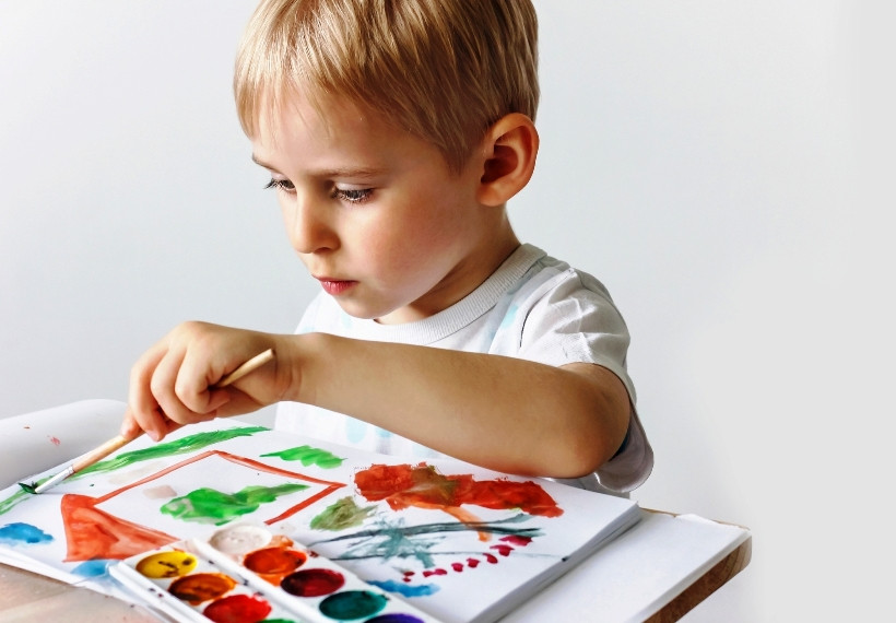 Ребенок левша: что нужно знать родителям