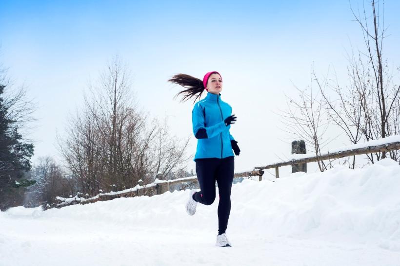 Как правильно бегать зимой: 5 правил для брр погоды
