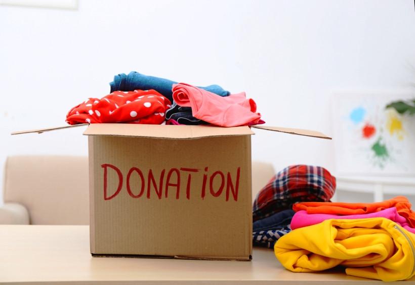 Куда в Киеве можно отдать одежду на благотворительные нужды?