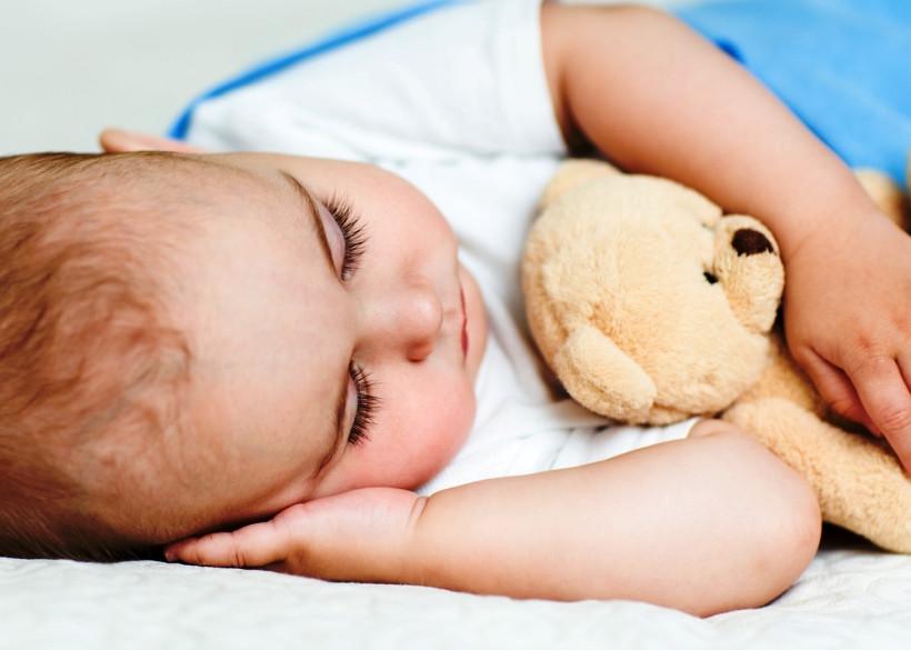 Как помочь новорождённому уснуть?
