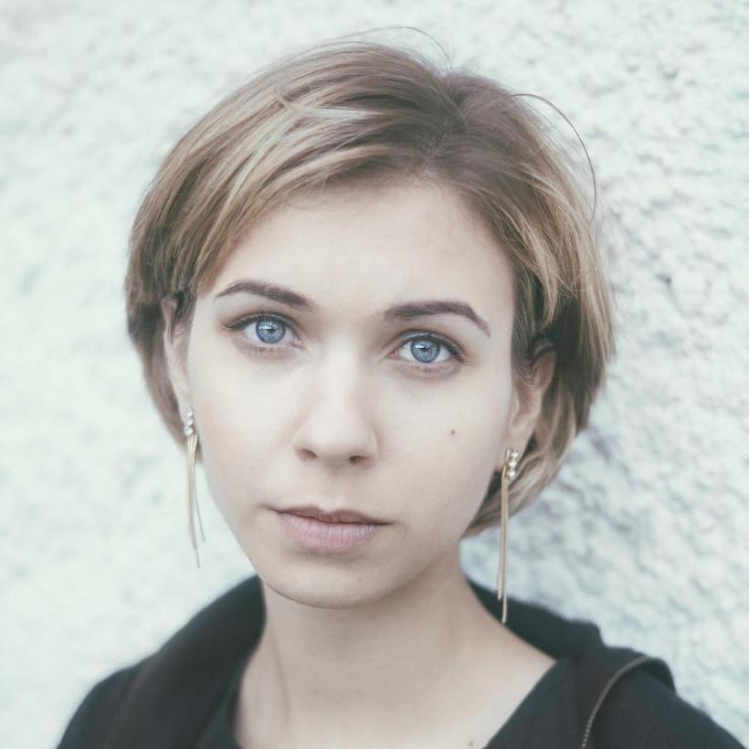 Катя Луганская - блогер и мама