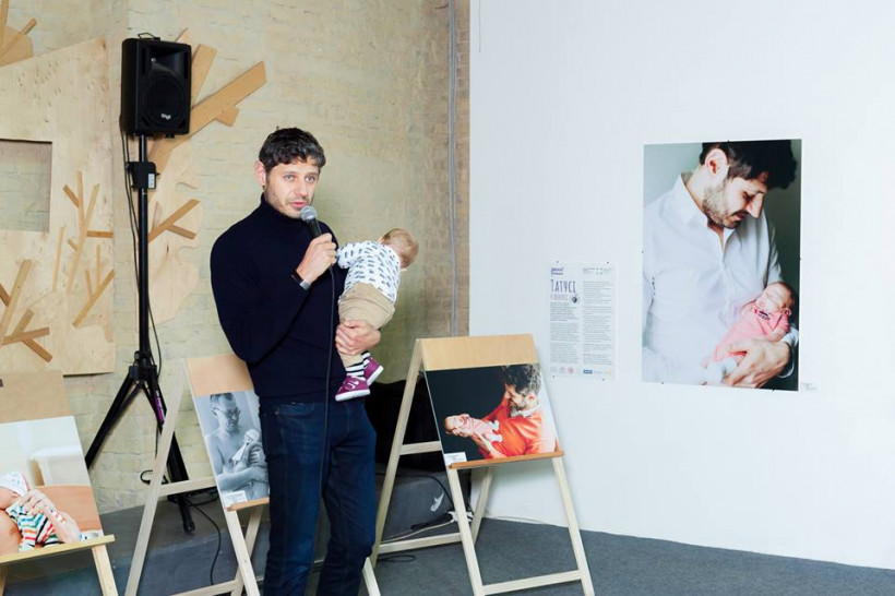 Армен Кургинян и Давид на фотовыставке
