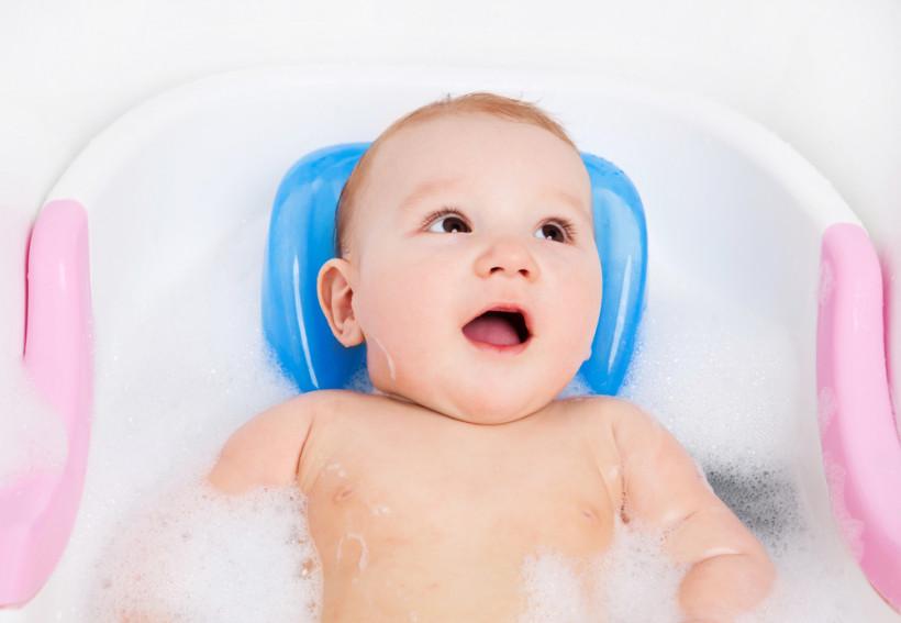 стульчик для купания малыша