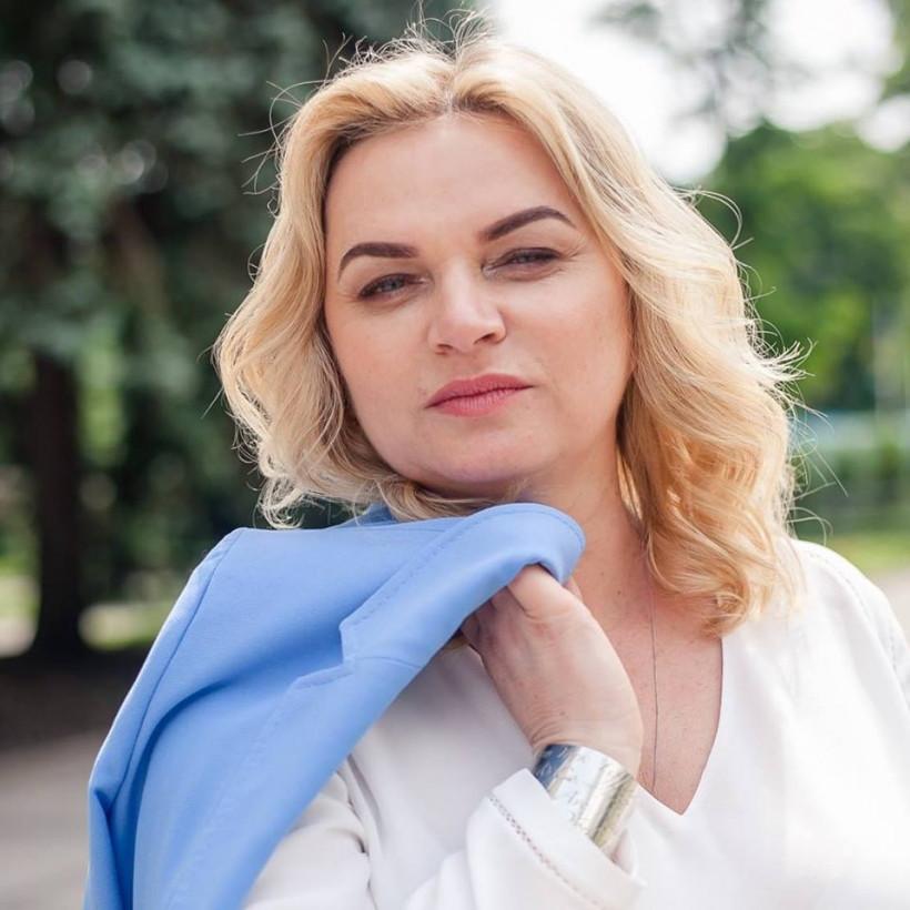 """Галиной Постолюк, директоркою регионального офиса  """"Надія і житло для дітей"""" в Украине"""