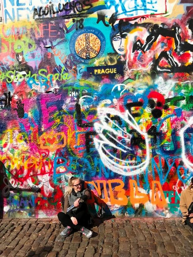 Стена Ленона в Праге