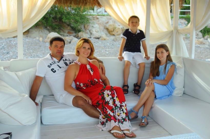 Тато-лікар Олексій Бебешко і його сімя