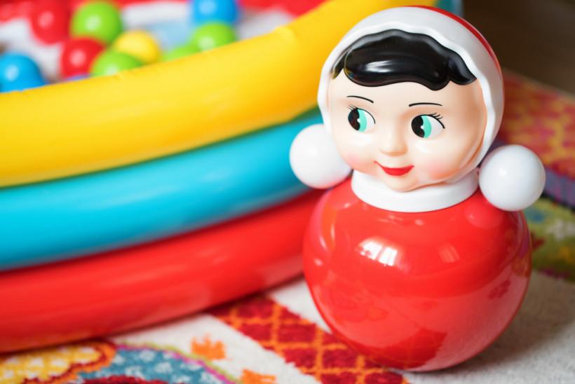 игрушки для малыша - неваляшка