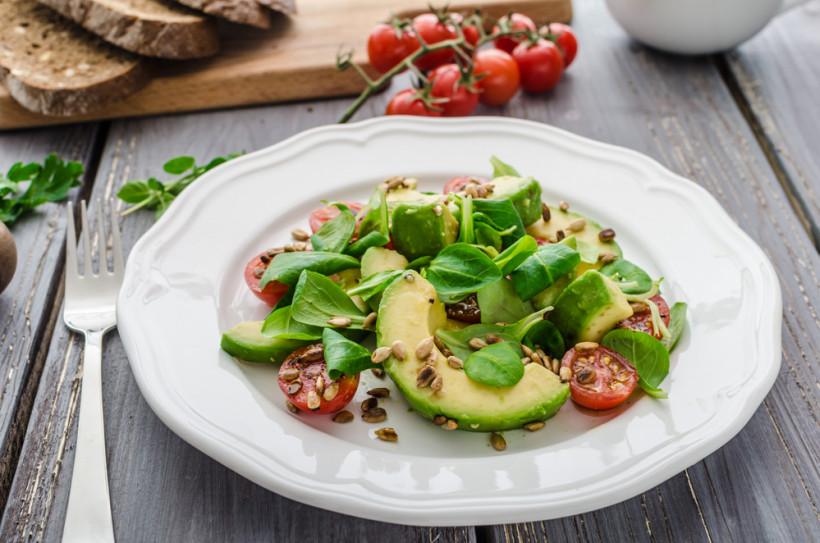 весенний салат из шпината