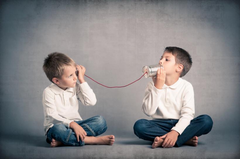 Передача информации - дети играют