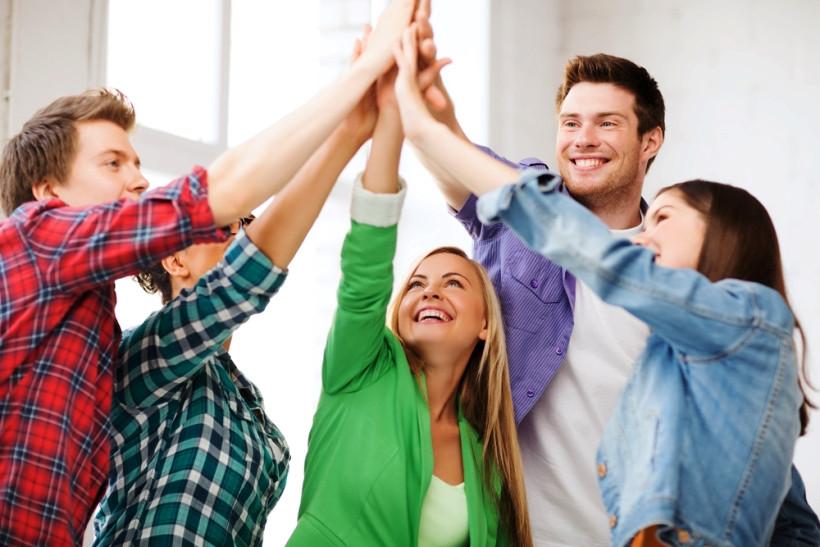 подростки дают пять
