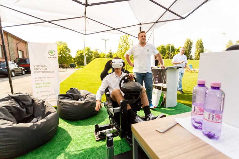 Шкода - активность с VR креслом и очками на Тато року