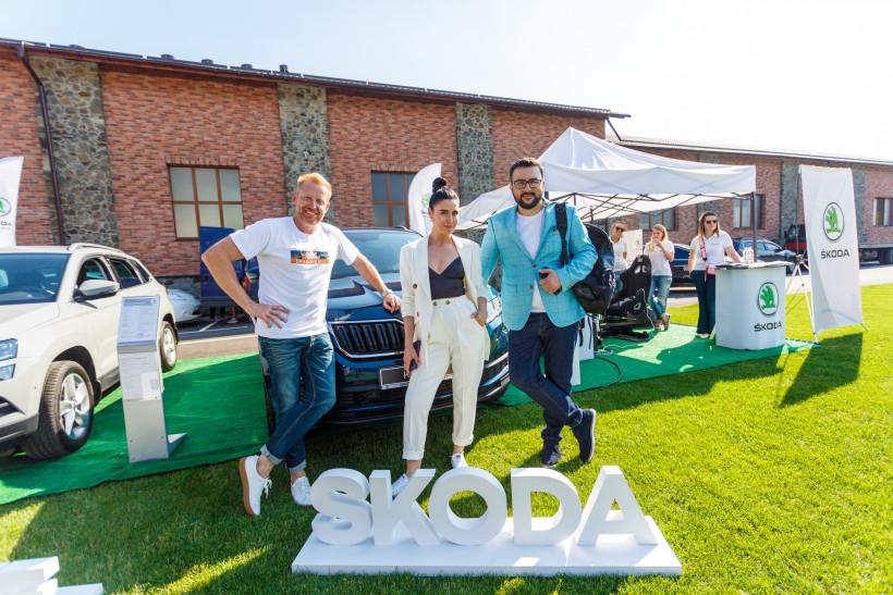 Звездные ведущие на Тато року на локации ŠKODA