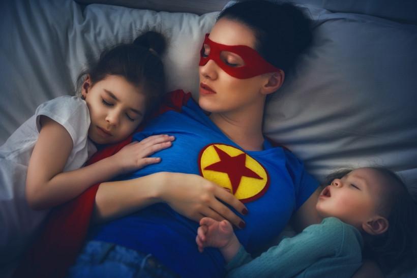 Супермама: что общего у заботливой мамочки и бойца спецназа?