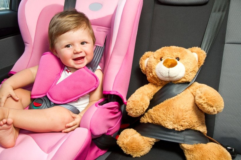 Путешествия с малышом: как ездить на машине в жару