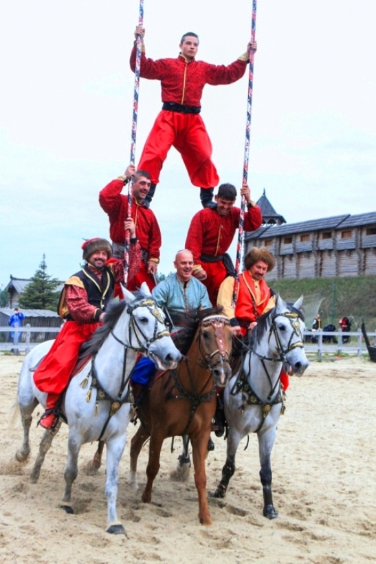 каскадеры на конях