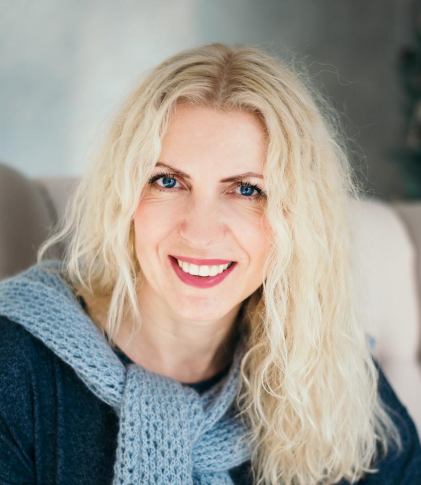 Ірина Хомчук -   авторка блогу про книги