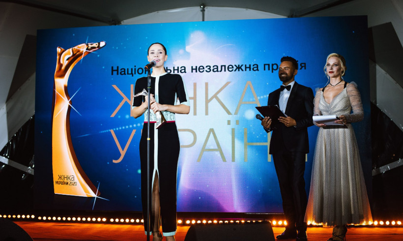 Лауреатка номінації ШОУ-БІЗНЕС - ЮЛІЯ САНІНА