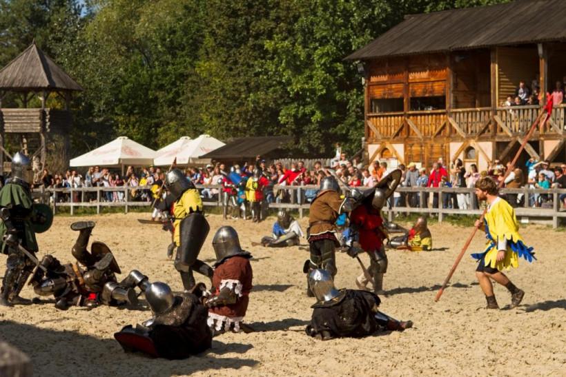Фестиваль середньовічного бою «Зов героїв»