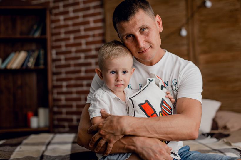 Владислав со своим папой в Семейной комнате Рональда МакДональда