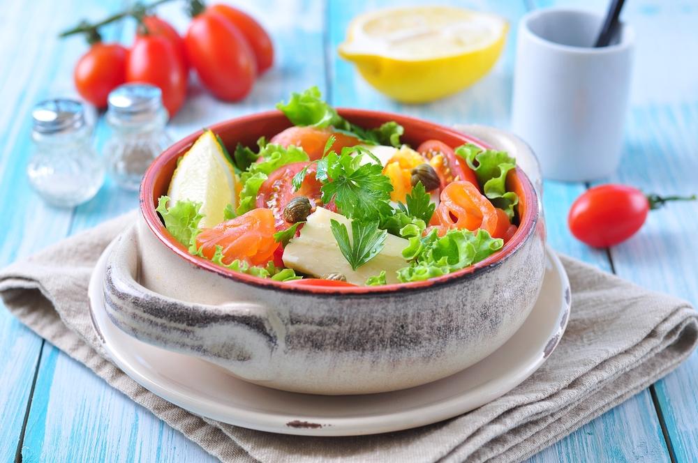 Цитрусовий салат із лососем