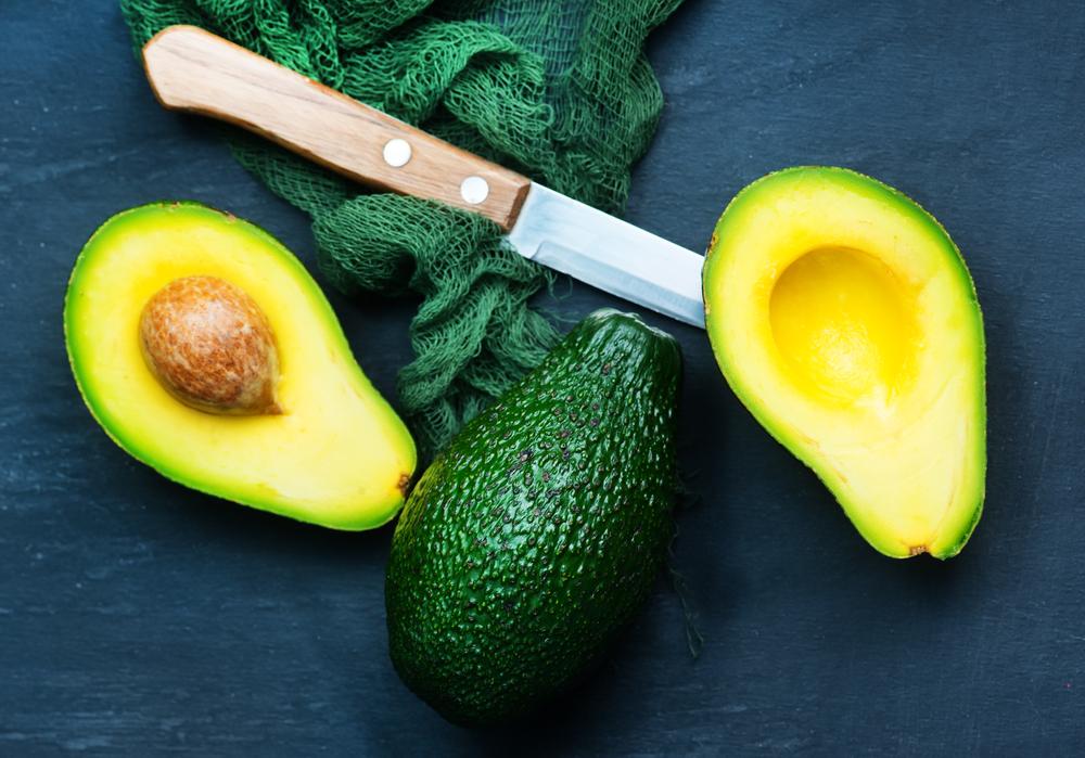Яскраво-зелені фрукти і овочі