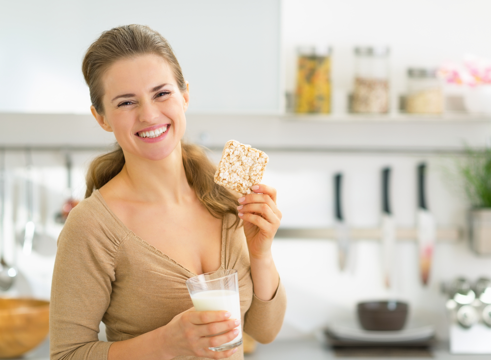 жінка з хлібцями