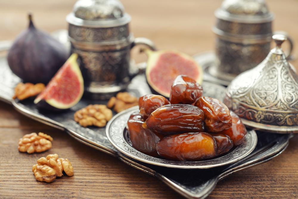 Десерт із фініків і сиром горгондзолою