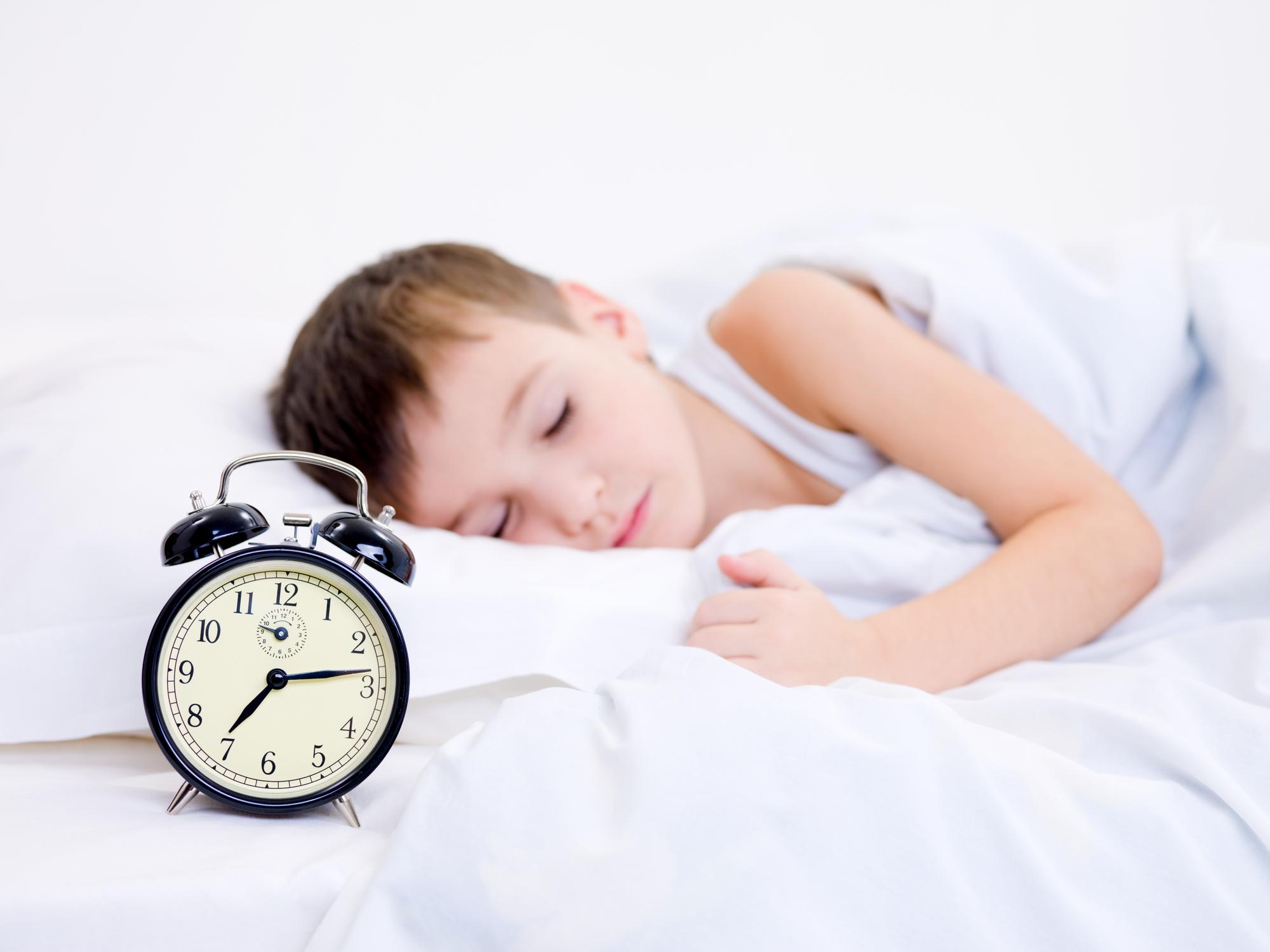 Почему ребенок просыпается каждые 2 часа ночью