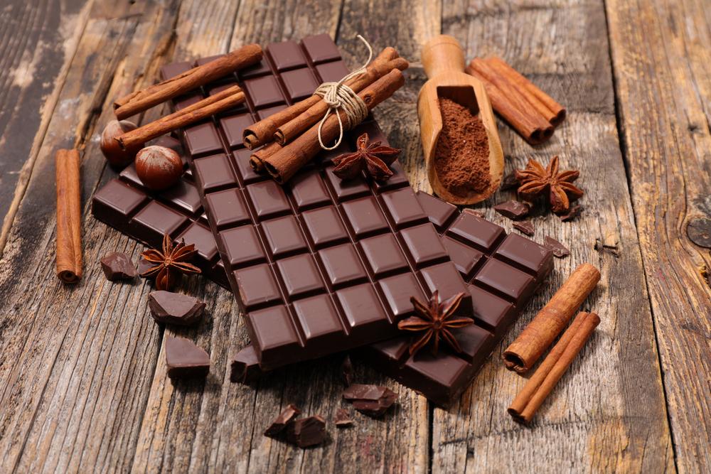 Чорний натуральний шоколад