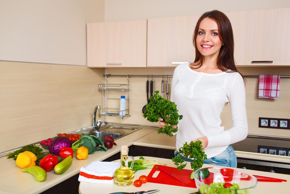 жінка з овочами