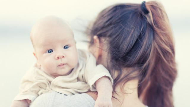 Мама з немовлям