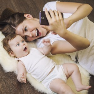 Обійми для найменших малюків від Huggies