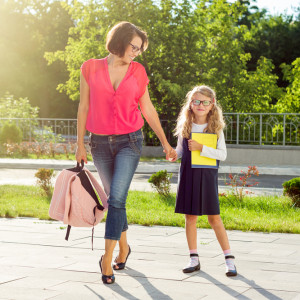 Как облегчить адаптацию ребенка к школе: советы от Светланы Ройз