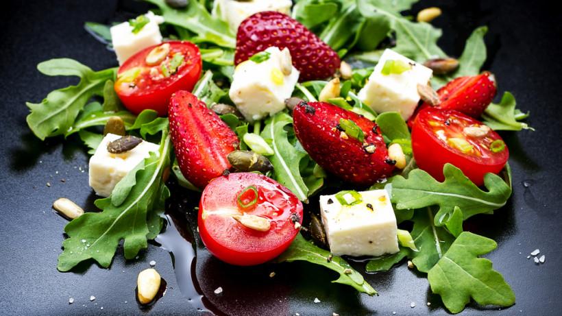 4 несладких салата из клубники, которые можно приготовить легко рекомендации