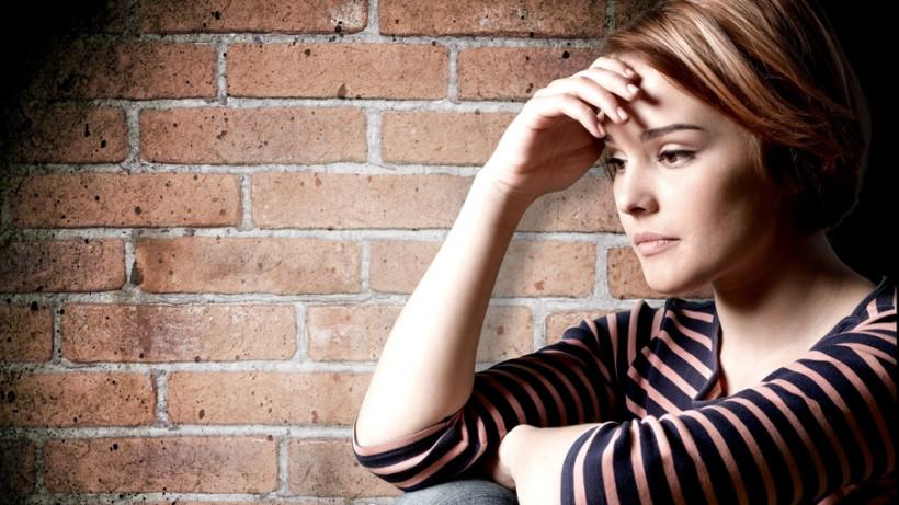 Девочка-подросток в  депрессии
